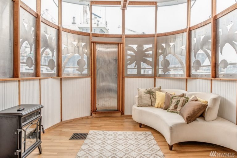 Houseboat for Sale in Seattle. artistic. Unusual.2
