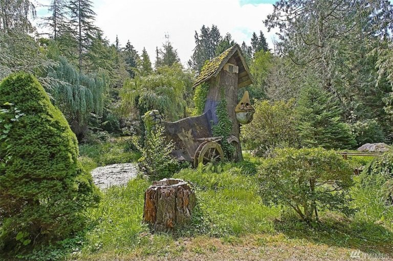 Stump house view. unusual home in seattle