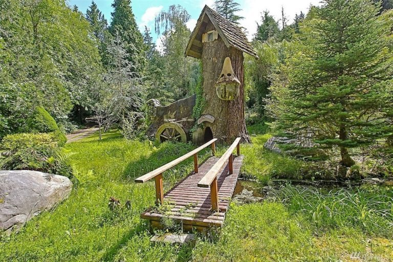 Stump house. unusual home in seattle