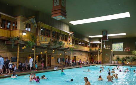 mcmennamins-anderson-school-tiki-bar-with-pool