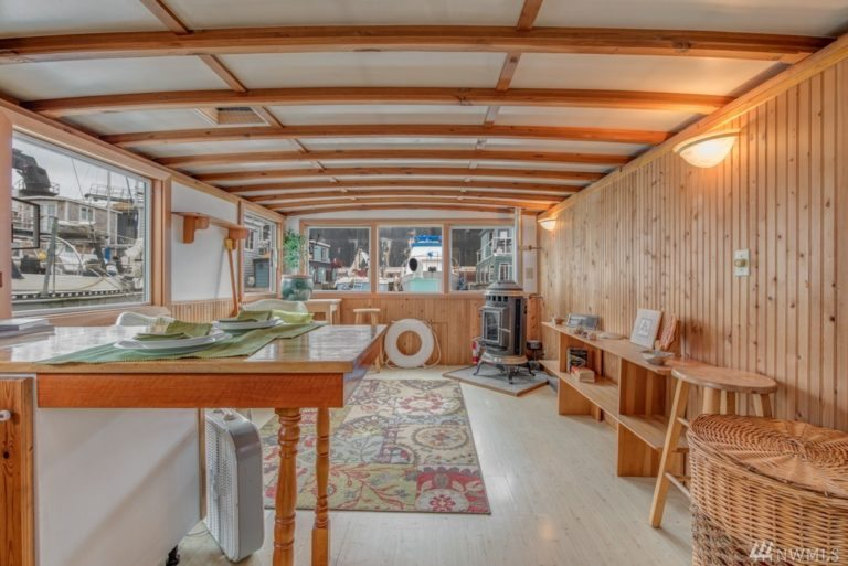 HOuseboat for sale 33