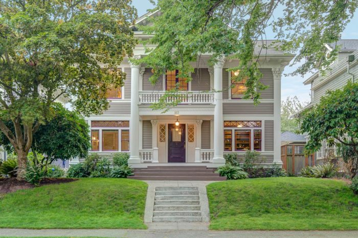 1902 Greek Revival Home on Capitol Hill - Seattle Dream
