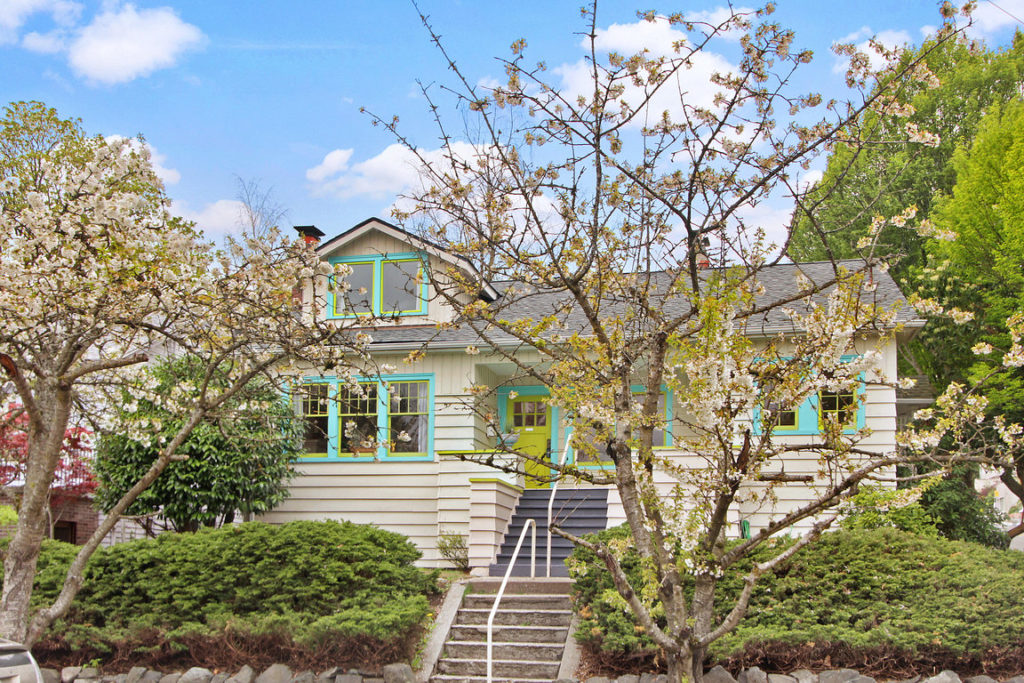 Seattle Ravenna home for sale in Seattle Real Estate 1919 Craftsman
